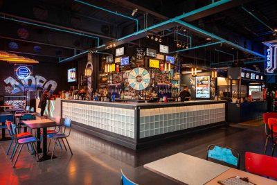 HUCKSTER Bar