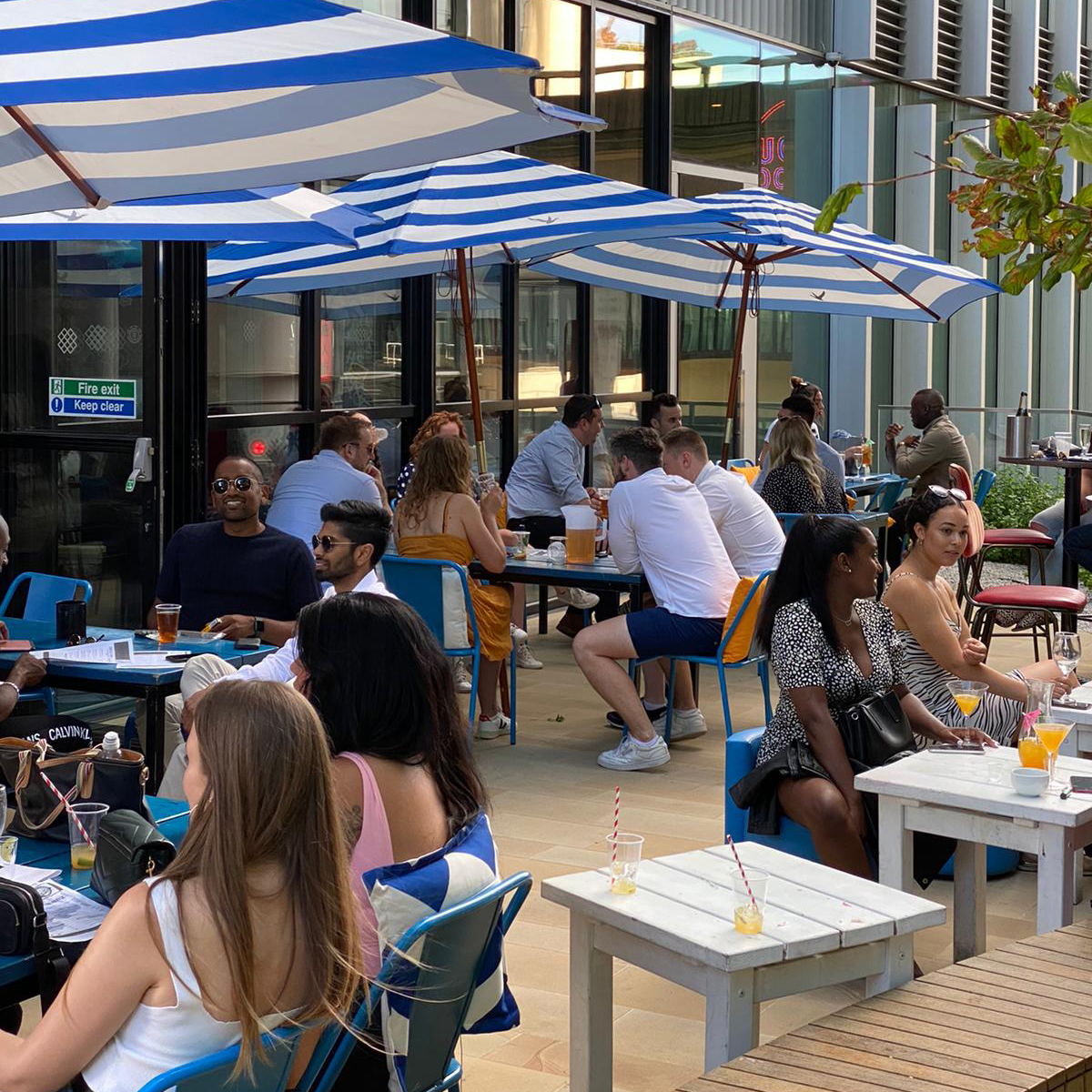 HUCKSTER London Sun Terrace Paddington Beer Garden Rooftop Roof Top Bar Outdoor Drinking